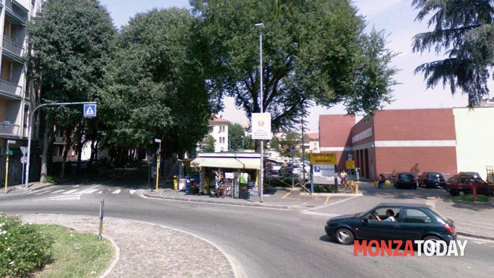Monza E Brianza Negozi Aperi 25 Aprile 2012