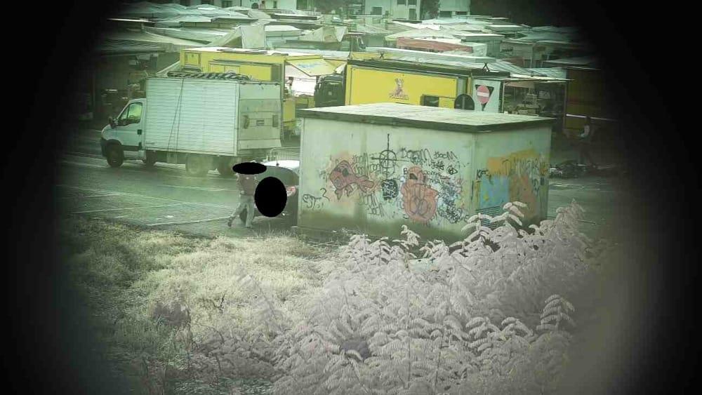 Abbandonano rifiuti in piazza a Lissone ma le telecamere li incastrano: multe da 600 euro - Monza Today