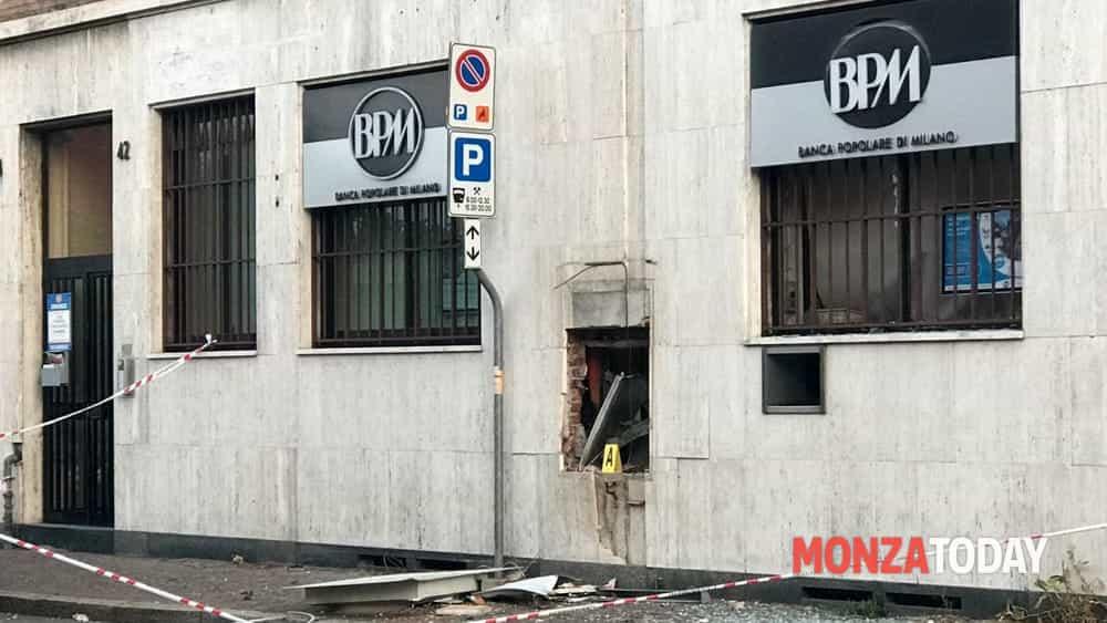 Arcore Ladri Bancomat Via Casati