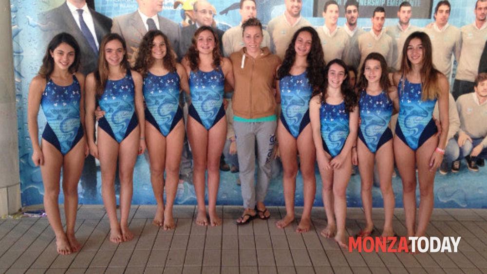 Monza per le atlete di nuoto sincronizzato della sport - Piscina verano brianza ...