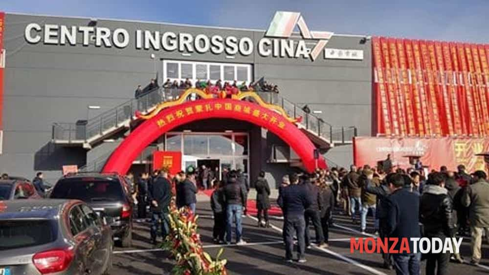 the latest 1e52a ae2b6 Cina Mercato Agrate Brianza apertura