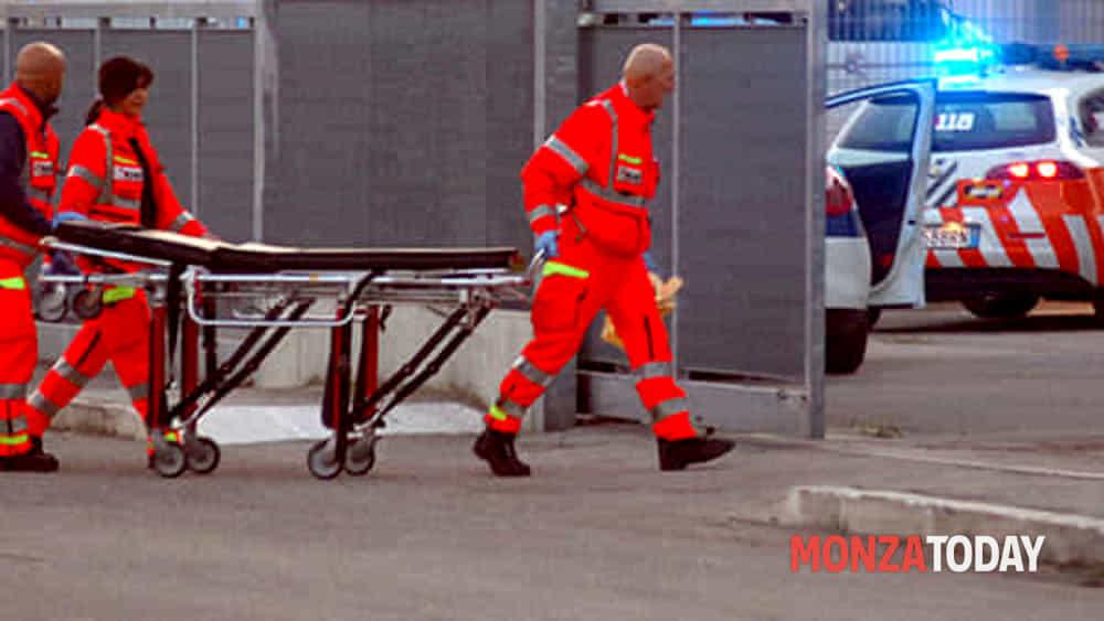 Meda, terribile incidente sul lavoro: operaio precipita nel vuoto: morto